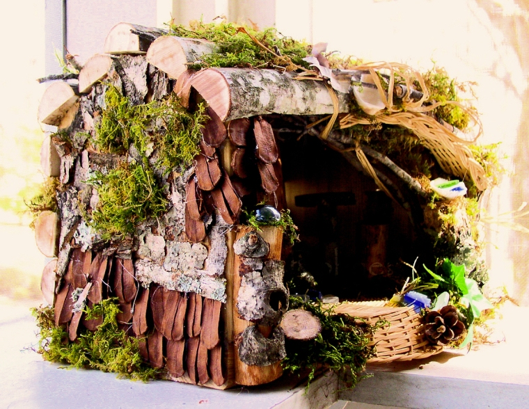 Woodland Fairy House wicker floor